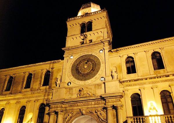 Abitareapadova_Orologio_piazza_signori